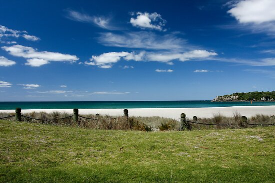 the beach at Bay of Plenty by PhotoStock-Isra