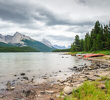 Shore of Maligne Lake by peterwey
