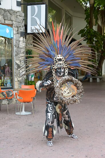 Mayan dancer by Klaus Bohn