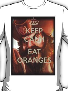 Keep calm and eat oranges. T-Shirt