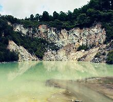 Breathtaking view at Wai-O-Tapu by cerissephoto