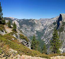 Yosemite Half Dome by Henrik Lehnerer
