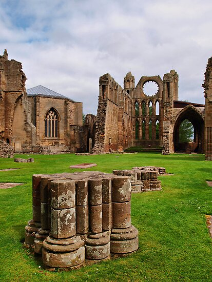 Elgin Cathedral (5) by kalaryder