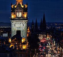 Edinburgh At Night by Lynne Morris