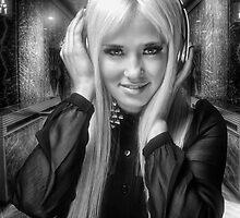 Groovejet by Yhun Suarez