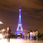 Tourists by the eiffel tower by feef