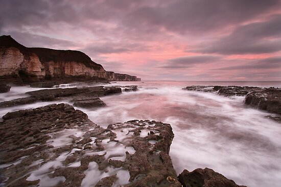 Thornwick Bay Sunrise by MartinWilliams