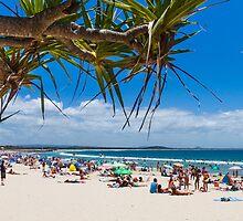 Noosa Main Beach by Martin Canning
