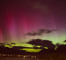 Aurora Australis over Queenstown by Allyeska