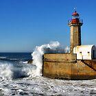 Lighthouse in Porto by vribeiro