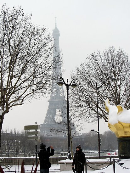 Capture the event: Paris in white by bubblehex08