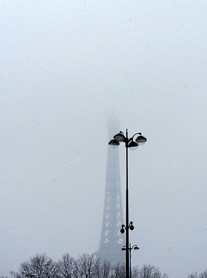 A hint of Paris by bubblehex08