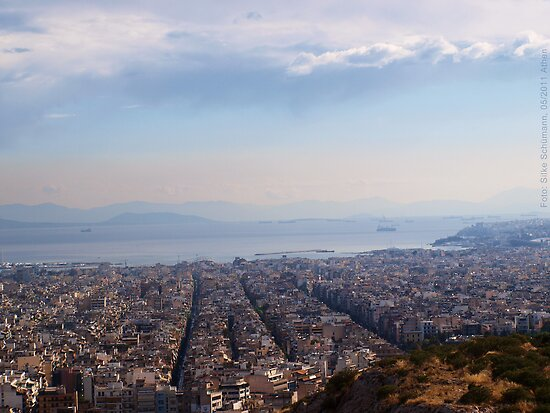 View to Athens Harbor (Greece) by vivendulies