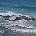 Surf over rocks - Sorrento back beach by TJSPictures