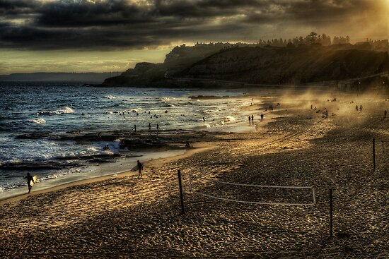 Newcastle Beach by Ian English