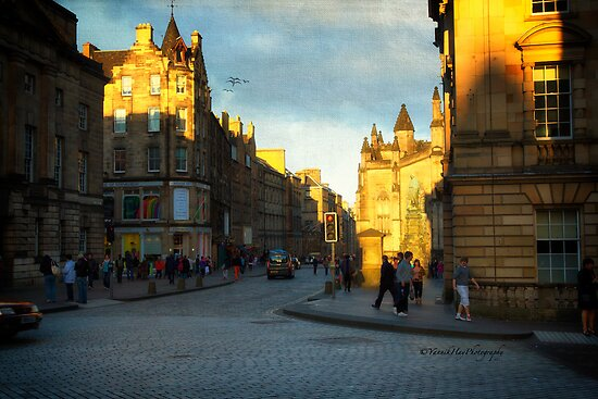 Sunset on House of Edinburgh by Yannik Hay