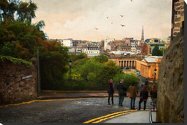 Down Hill - Edinburgh Castle by Yannik Hay