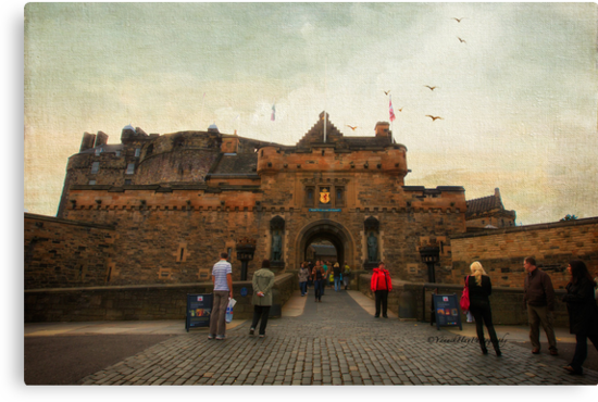 Edinburgh Castle by Yannik Hay