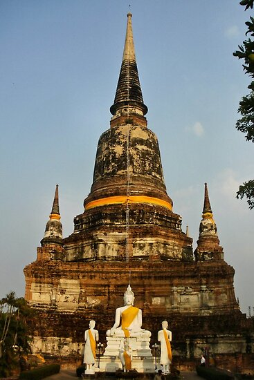 Wat Yai Chaimongkhon Wat and Buddha by missmoneypenny