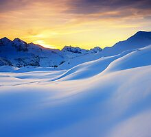 Sunset in the mountains in the Alps by Zoltán Duray