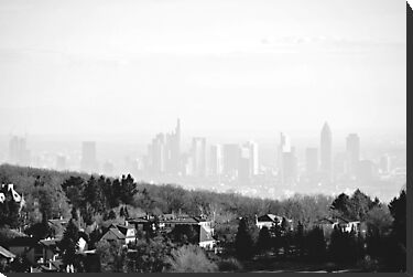 Misty Frankfurt Skyline by heinrich
