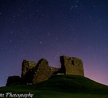 Starry Night at Duffus Castle by Toastmuncher
