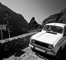 Old Renault in Masca by aSandor