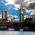 London sky by Luke Lansdale