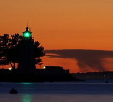 Goat Island lighthouse Newport, RI by mcdonojj