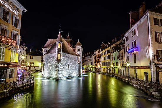Palais de l'Isle in Annecy, France by mcdonojj