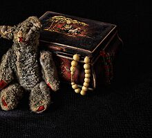 The Antique Teddy Bear by brijo
