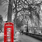 London Phone  by JPAube