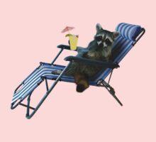Summer Vacation Raccoon by jkartlife