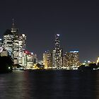 Brisbane at Dusk by Deborah  Janke
