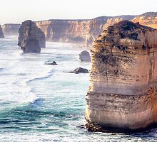 The Edge of Australia. by Julie  White