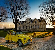 Sunset on legendary French car by RomainChalaye
