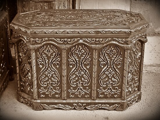 A dowry box in Adana by rasim1