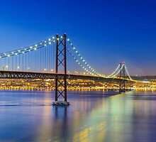 Nightly Lisbon by Michael Abid