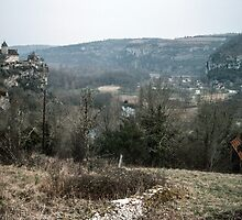 Castle on cliff over Dordogne nr Carennac 198402270053 by Fred Mitchell