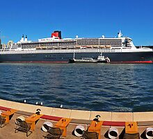 Queen Mary 2 at Circular Quay Panorama (from Opera House Concourse) by TonyCrehan