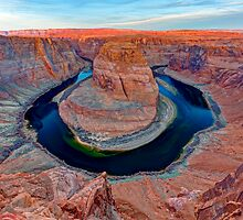 Horseshoe Bend - Sunrise - Wide by Stephen Beattie