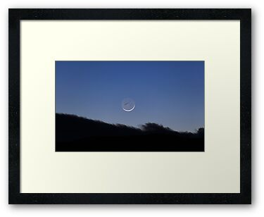 Crescent Moon and contrail by zumi