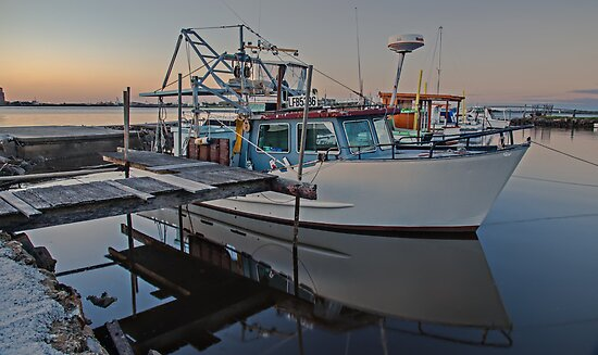 Fishing Boat Reflected by bazcelt
