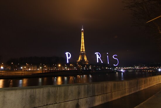 Lightpaint Paris by myebra