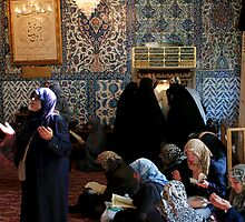 Dua - Asking prayer at the Tomb of Eyyub el Ensari by Jens Helmstedt