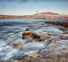 Bellerive Bluff Early Morning by Chris Cobern