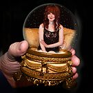 Captured Beauty in Gold by artbarkvideo
