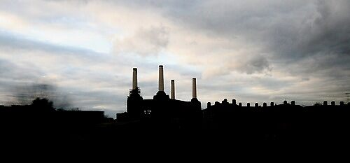 Battersea Power Station, London by lanesloo