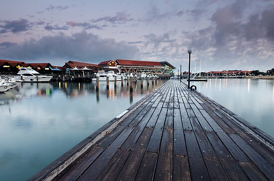 Dawn at Hillarys by Ladyshark