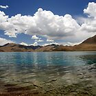 Himalaya lake in Tibet by Jan Zoetekouw